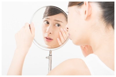 気になる肌のシミにおすすめの化粧品の選び方とは?美肌対策は若いうちから!