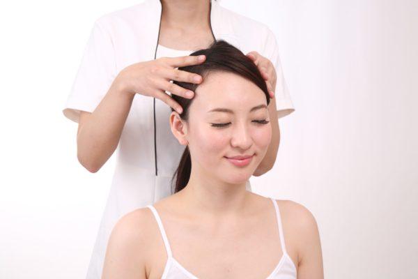 毎日シャンプーしてるのにフケが!その症状「頭皮湿疹」かもしれません